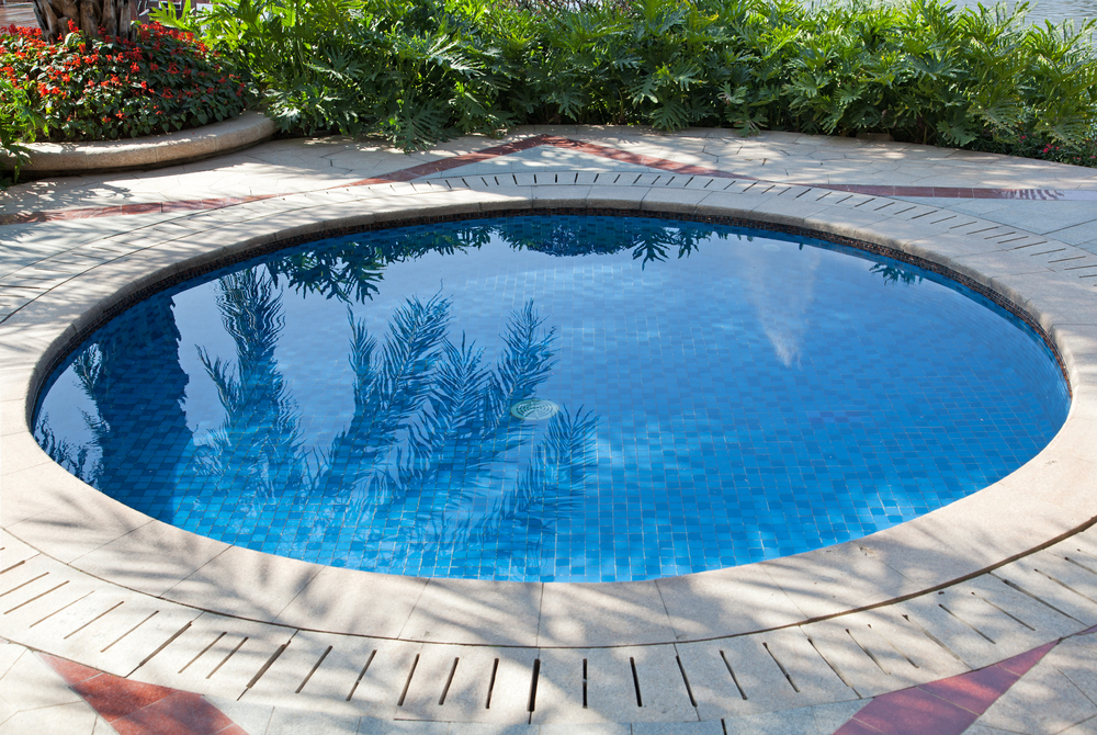 Kleiner Pool swimming pool builders spa and pool construction construction